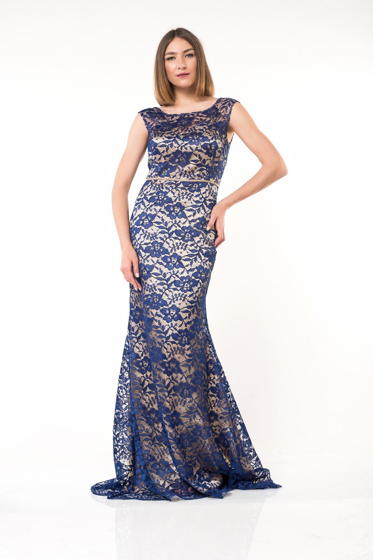0a3e0c28cb76 Φόρεμα μπεζ με μπλε δαντέλα maxi σε γοργονέ στυλ